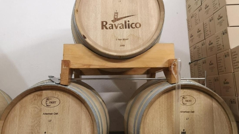 Vina Ravalico, Nova Vas